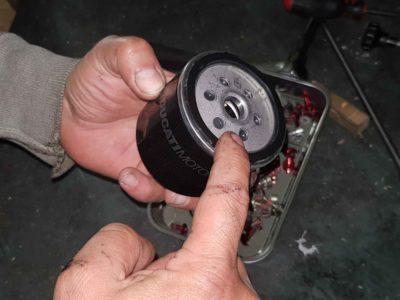Come cambiare l'olio motore